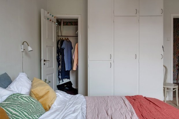 хранение одежды в скандинавском интерьере
