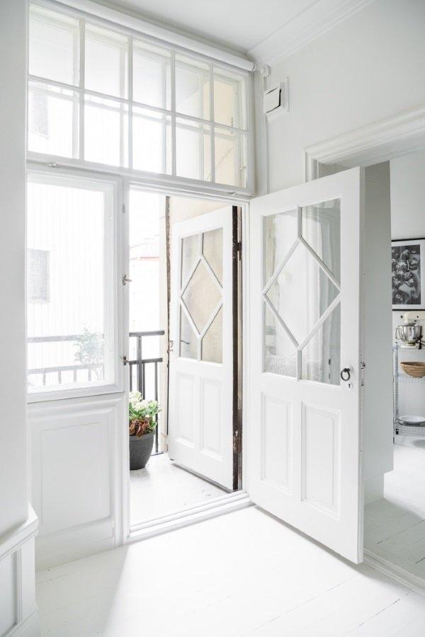 дверь на балкон из спальни