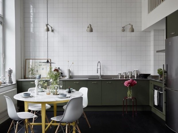 зелёная кухня в скандинавском стиле