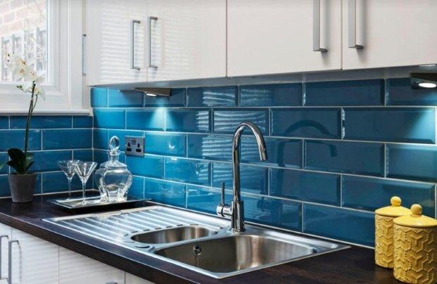 синий фартук в скандинавском стиле