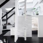 Современная квартира: разделение пространства на два этажа