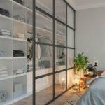 Спальня в скандинавском стиле: стеклянная ширма шкафа