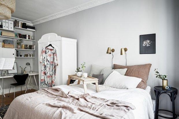 Спальня в скандинавском стиле: нежная спальня со светло-серыми стенами