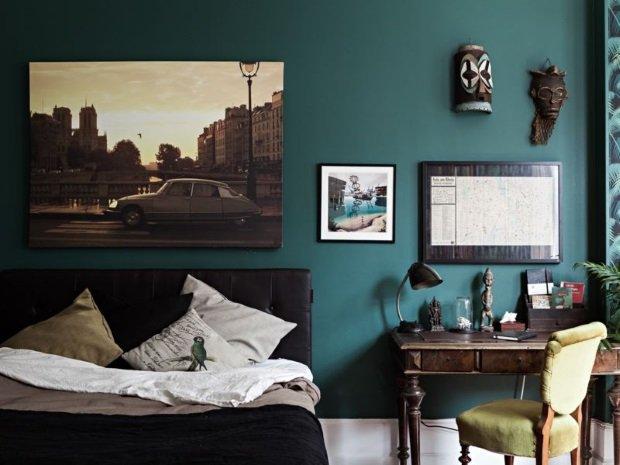 Спальня в скандинавском стиле: изумрудные стены