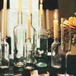 Белые свечи в бутылках