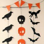 Флажки и украшения из бумаги на Хэллоуин