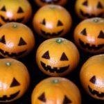 Мандарины стилизованные под Хэллоуин