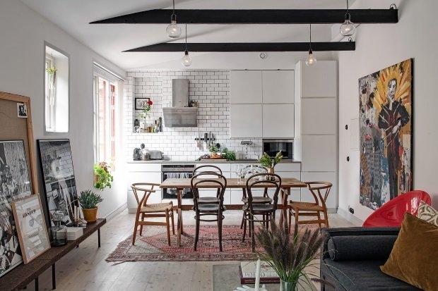 Скандинавская квартира с яркими акцентами: картины в интерьере