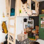 Детская в скандинавском стиле: домик чердак