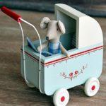 Детская в скандинавском стиле: ретро коляска