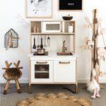 Детская в скандинавском стиле: кухня икеа