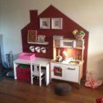 Детская в скандинавском стиле: кухня в домике