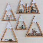 Детская в скандинавском стиле: полки горы деревянные