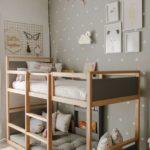 Детская в скандинавском стиле: двухъярусная кровать, серые тона