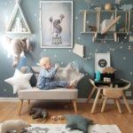 Детская в скандинавском стиле: красивый декор на серо-зеленом