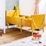 Детская в скандинавском стиле: желтая кровать