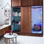 Детская в скандинавском стиле: тайный уголок в шкафу
