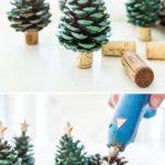 Новогодние украшения 2019: елки из шишек своими руками