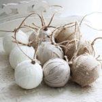 Новогодние украшения 2019: тканевые шары