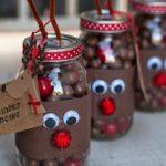 Новогодние украшения 2019: конфеты в банке