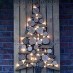 Новогодние украшения 2019: панно в форме елки из дерева