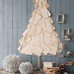 Новогодние украшения 2019: панно из листов бумаги в форме елки