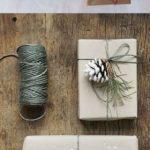 Новогодние украшения 2019: упаковка подарков в скандинавском стиле