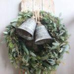 Новогодние украшения 2019: рождественский венок с колокольчиками