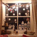 Новогодние украшения 2019: гирлянда звезды на окне