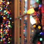 Новогодние украшения 2019: разноцветная гирлянда