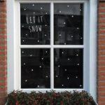 Новогодние украшения 2019: рисунок точки на окне