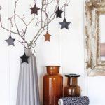 Новогодние украшения 2019: ваза с ветками