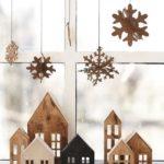 Новогодние украшения 2019: деревянные домики