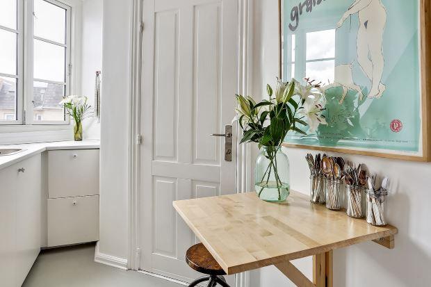Квартира в скандинавском стиле в Копенгагене: маленький обеденный столик