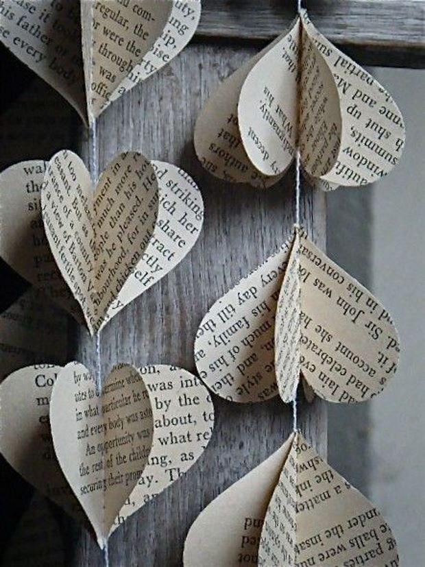 Идеи на День Святого Валентина: гирлянда сердца из газет