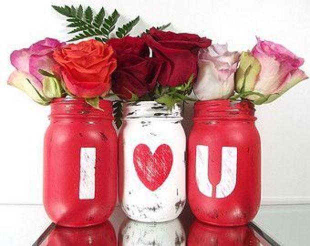 Идеи на День Святого Валентина: розы в вазах
