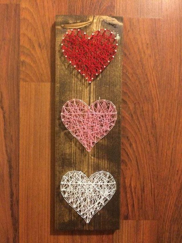 Идеи на День Святого Валентина: панно сердца на гвоздиках