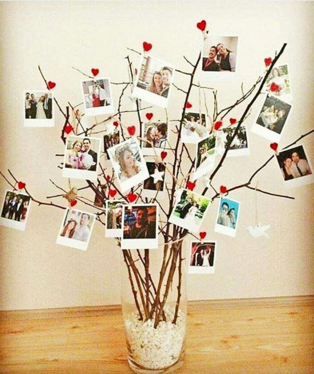 Идеи на День Святого Валентина: ветки украшены фотографиями