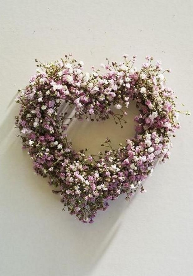 Идеи на День Святого Валентина: венок из цветов