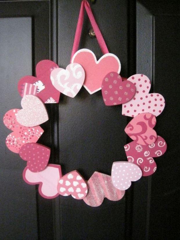 Идеи на День Святого Валентина: венок из сердечек