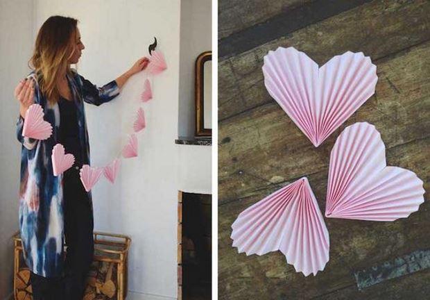 Идеи на День Святого Валентина: гирлянда из розовых сердечек