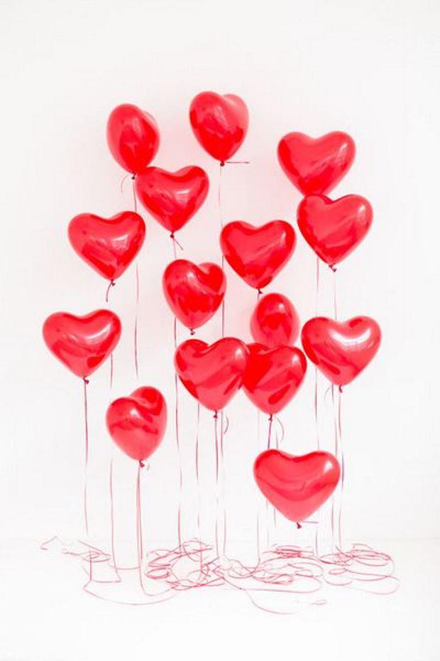 Идеи на День Святого Валентина: красные шарики сердечки