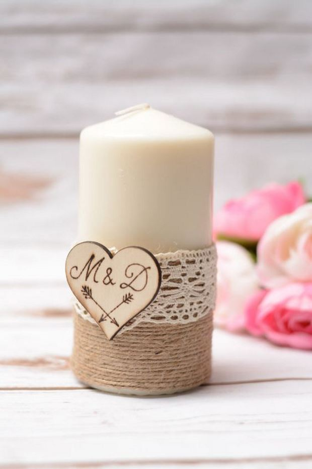 Идеи на День Святого Валентина: свеча с инициалами