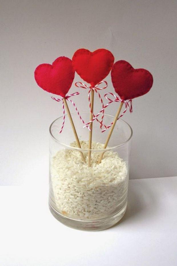 Идеи на День Святого Валентина: сердечки на палочках